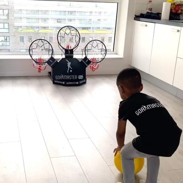 Gotta teach them young‼️ This LIL CHAMP is destined for greatness⚽️✨You can use the GOALMASTER PRO everywhere to practice your soccer skills. In the house, garden, park, at the office or at soccer practice