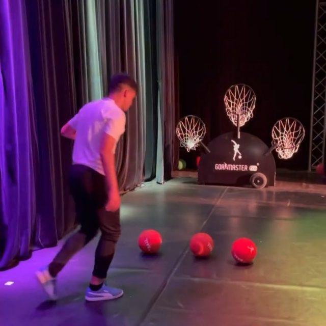 TRICKSHOT KING🏆 @teameljacksonn showing their sick soccer skills w/ the GOALMASTER PRO PLUS during their first event3️⃣🔥🎯